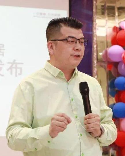 人物介绍南康软体家具领军企业,潘峰家居总经理潘峰